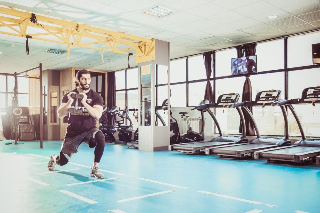 man kettlebell gym training